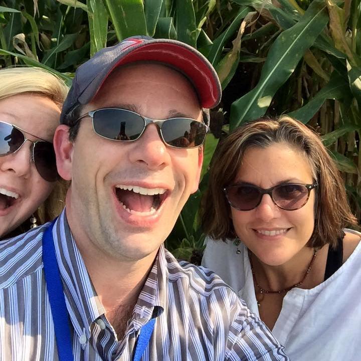 Milton with Amber and Rosanne Rust in corn field_2